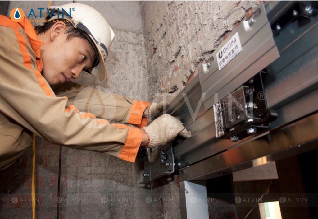 Quy trình lắp đặt thang máy được thực hiện đúng quy trình, đúng kỹ thuật